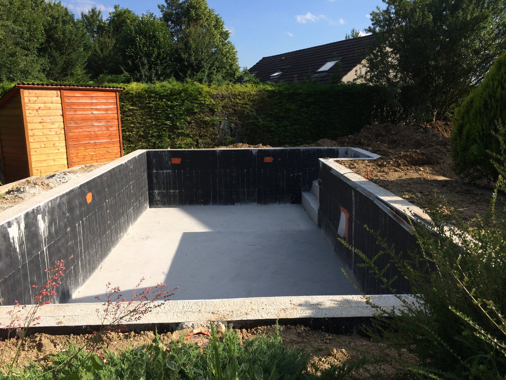 Piscines solidpool 77 for Pose liner piscine beton